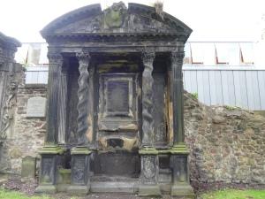 Greyfriars_tomb3